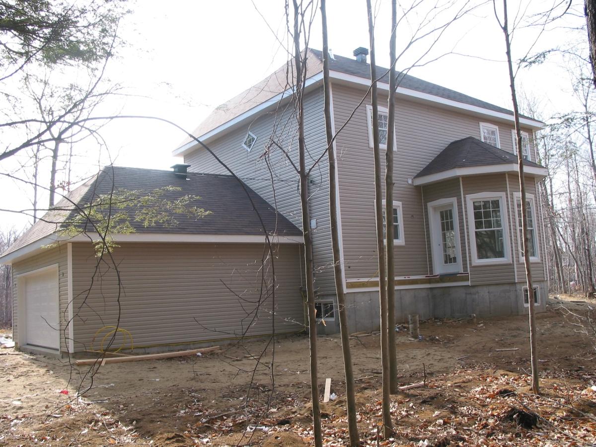 Home Inspection; Back of garage